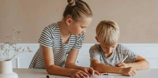 Как научить ребёнка держать ручку?