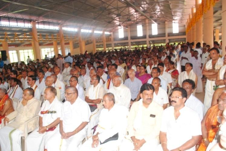 News_Pejavara shree honor at Kumbashi5