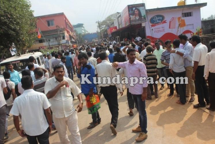 Zilla panchayath Taluk Panchayth Poll - BJP Celebrating in Kundapura (9)