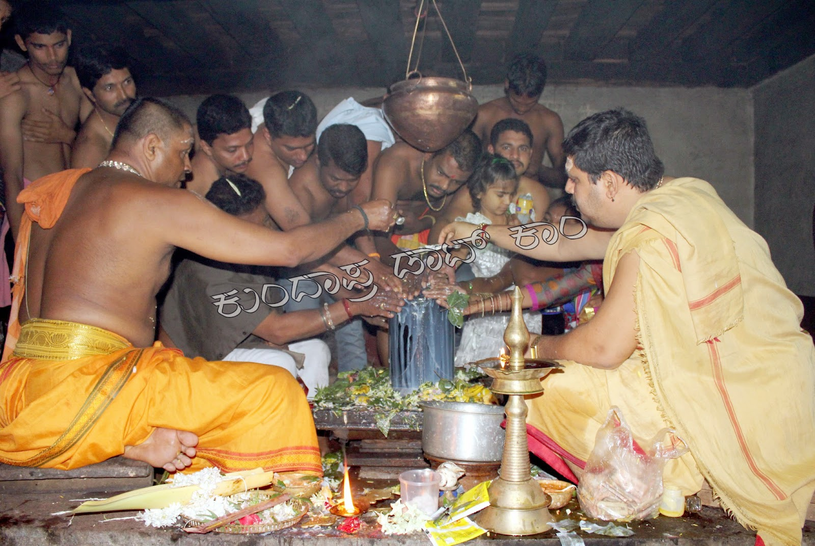 ಬೈಂದೂರು: ಶಿವಲಿಂಗ ಸ್ಪರ್ಶಪೂಜೆಯ ವಿಶಿಷ್ಟ ಕ್ಷೇತ್ರ ವಣಕೊಡ್ಲು