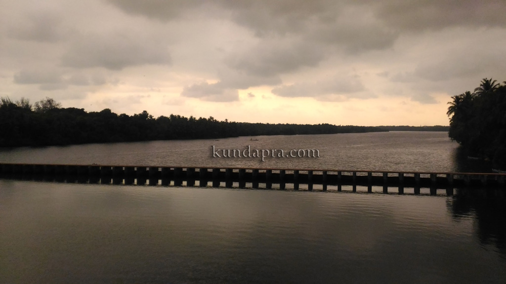 ಕುಂದಾಪುರ: ಮೋಡ ಮುಸುಕಿದ ವಾತಾವರಣದಲ್ಲಿ ಬಂಟ್ವಾಡಿ ವೆಂಟೆಡ್ ಡ್ಯಾಂ ಕಂಡದ್ದು ಹೀಗೆ
