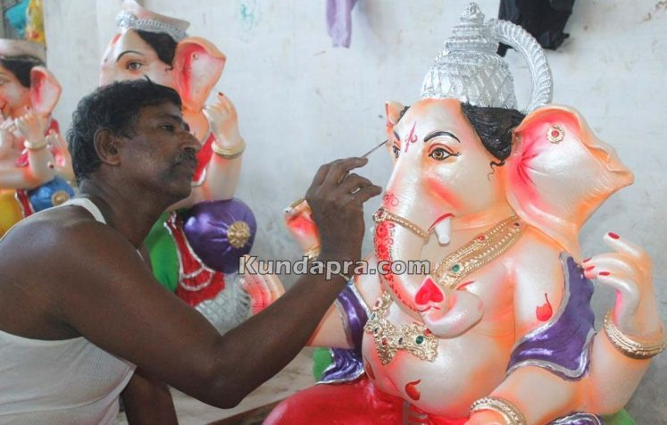 Kundapura ganesh idols makers Vasantha Gudigar made idols has demond in Hydarbad (1)