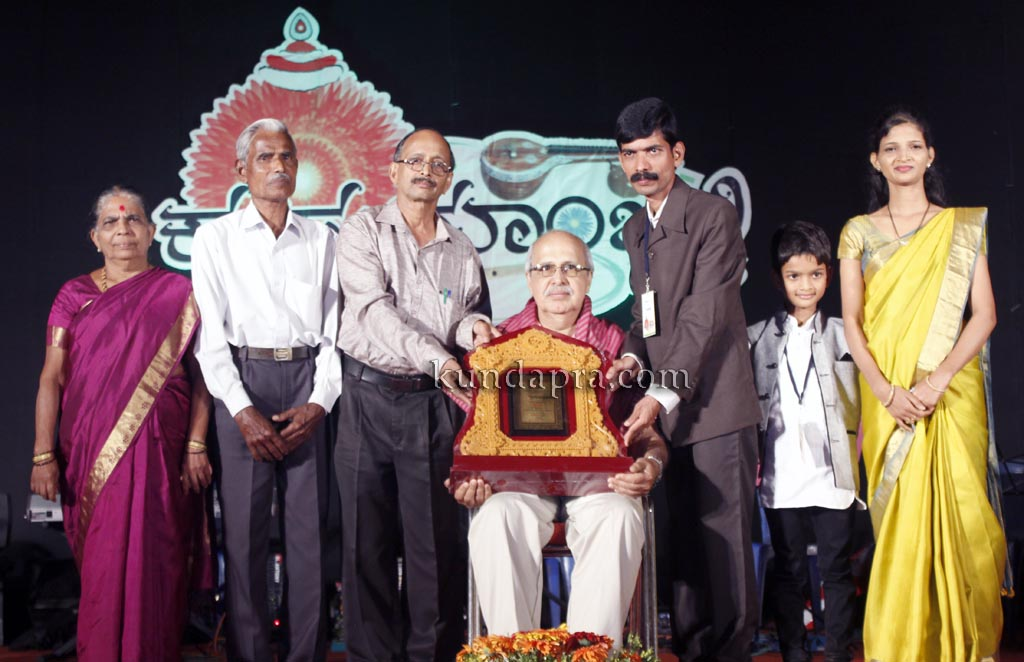 kusumanjali-2016-shri-padre-vasantha-kumar-perla-nalinkumar-shetty-nagoor-19