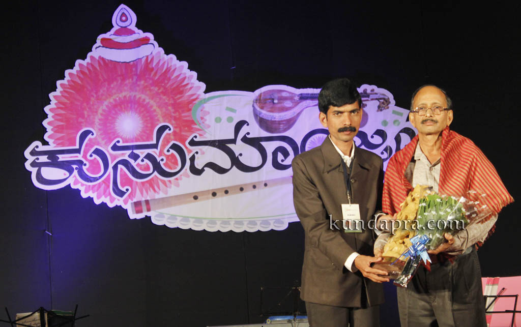 kusumanjali-2016-shri-padre-vasantha-kumar-perla-nalinkumar-shetty-nagoor-2