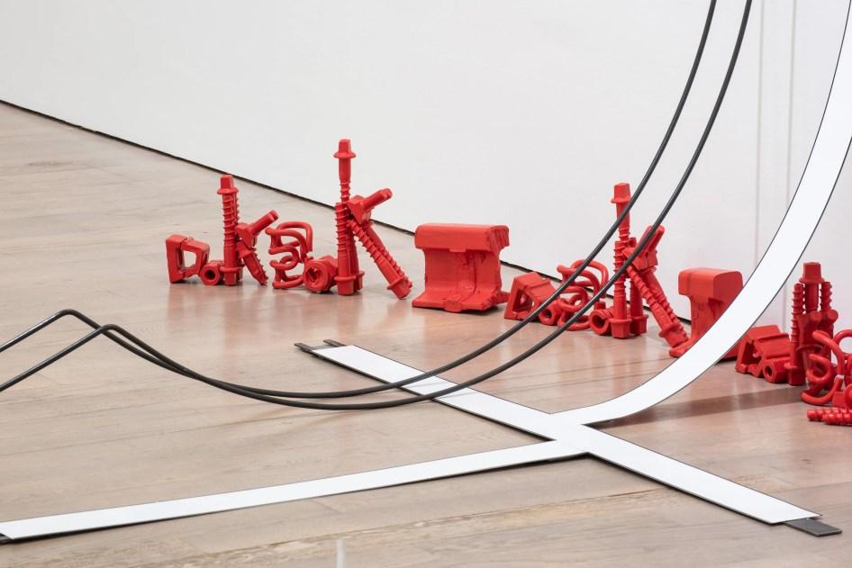 André Wischnewski DOK DOK_DOK DOK, 2016 Stahl, Lack Installationsmaß variabel Foto: Frank Kleinbach © André Wischnewski