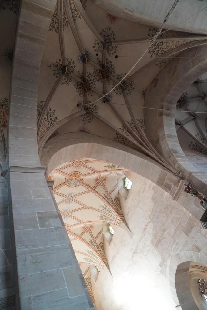 Der Blick ins Gewölbe der Klosterkirche zeigt das Nebeneinander von den Gewölben der Gotik und der Renaissance. ©Foto: Maik Hanicz.