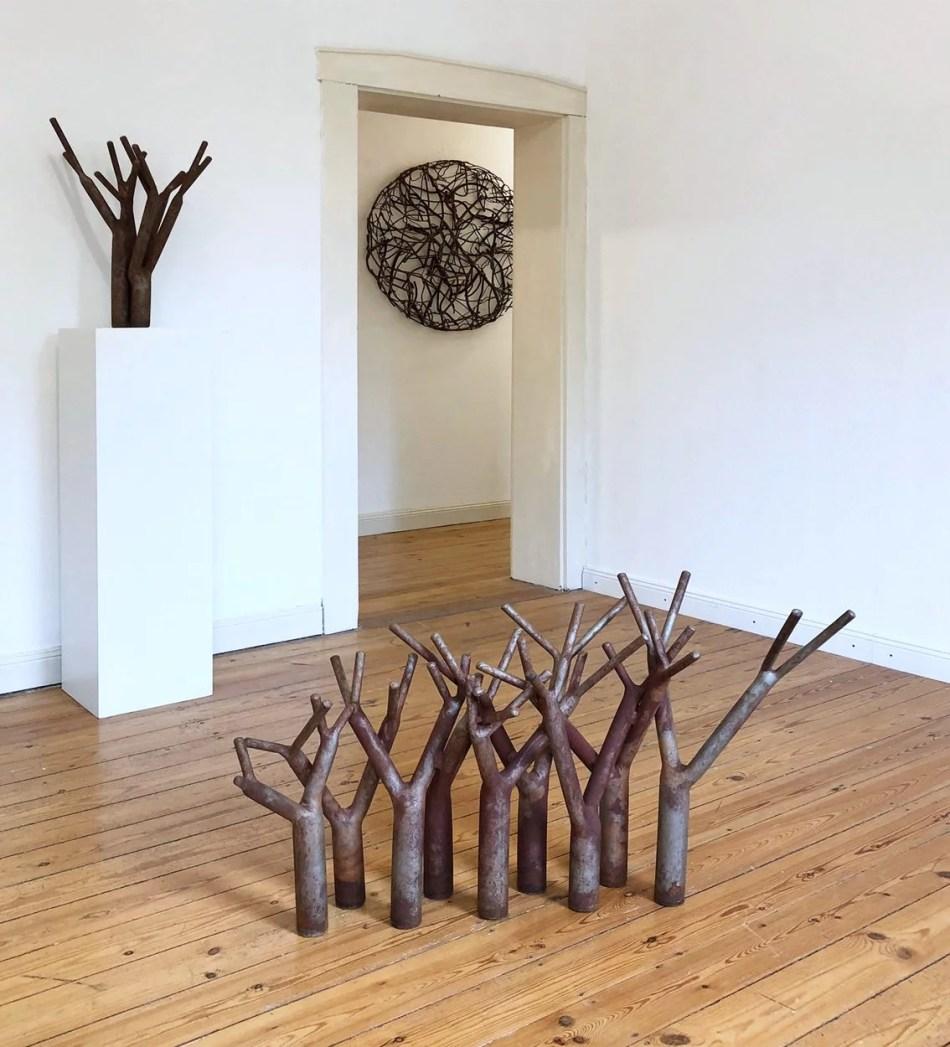 """Ausstellungsansicht """"Schattengewächse"""". Galerie Ruppert, 2019. Foto: Galerie Ruppert."""