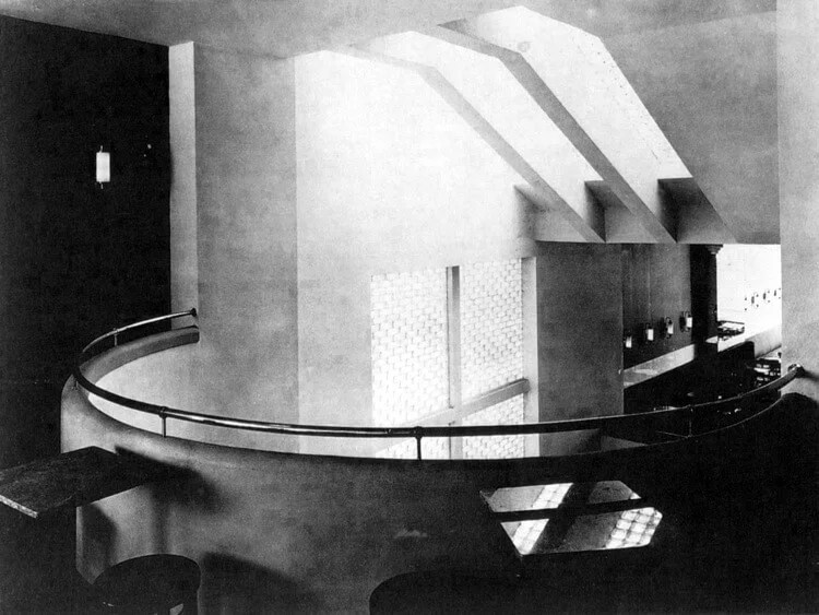 Interieur Café, Bohuslav Fuchs, Hotel Avion, 1927–1927. Česká 150/20, Brno. Historische Aufnahme. © Stadtmuseum Brünn