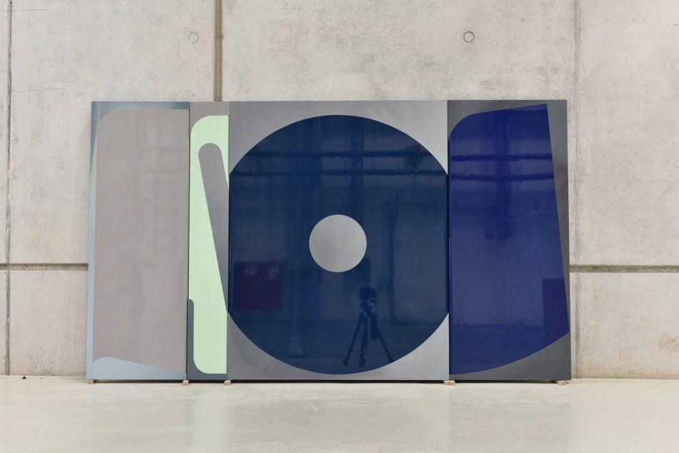Florina Leinß. pic178-21split°faded, 2021. Lack, Öl auf MDF, 140 x 240 cm. © Florina Leinß