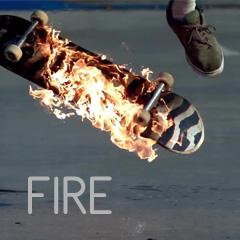 FIRE - Un monopatín o skate ardiendo