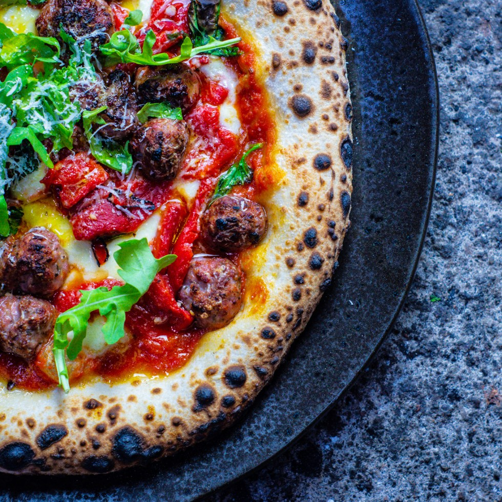 pork sausage and roasted pepper pizza