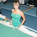 Lauren Edmunds (full splits)
