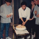 Clean cut! Jackie Chan prepares a birthday cake for Kenya