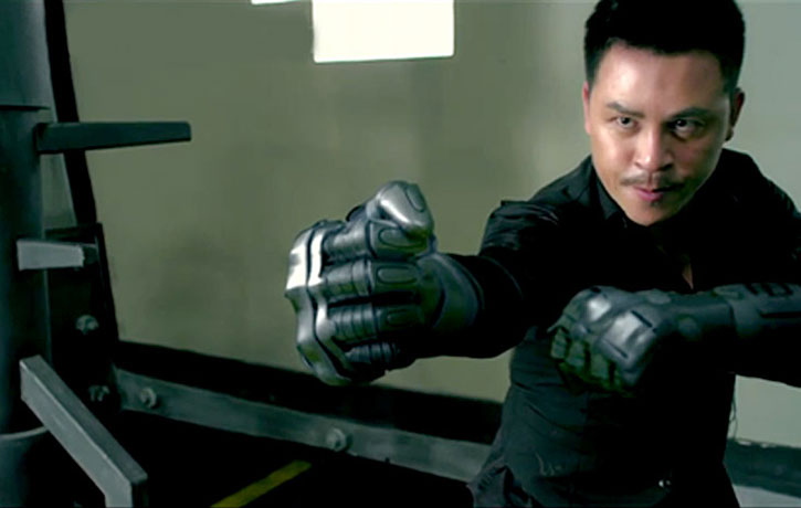 Jiang Li brings metallic gloves to the final battle!