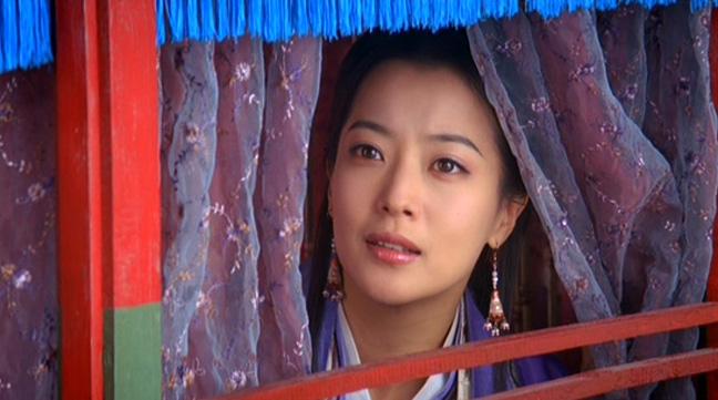 Kim Hee-sun plays the beautiful Princess Ok-soo