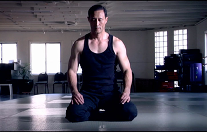 Jino Kang does yoga!