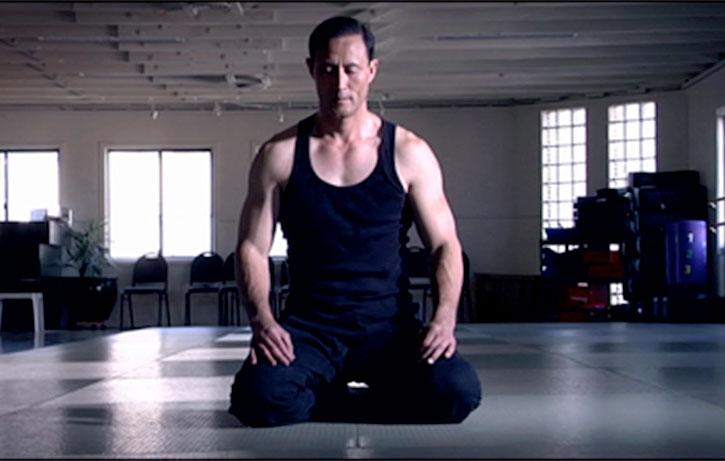 Jino Kang does yoga!