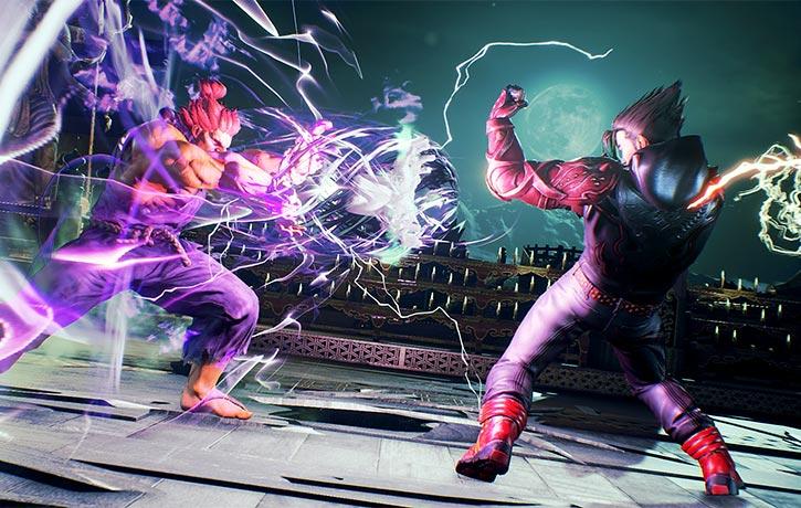 Akuma fires a Hadouken on Jin