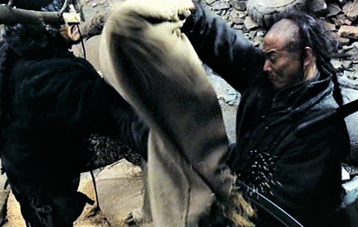 Qingyun impresses Wuyang with his fighting skills