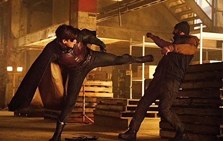 Robin lands a solid spinning back kick!