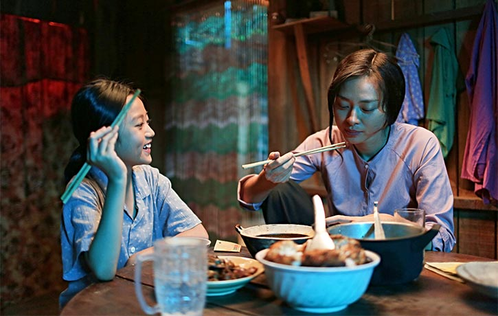 Hai Phuong shares a quiet dinner with Mai