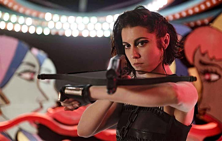 Helena Bertinelli hunts down her family's killer as The Huntress!