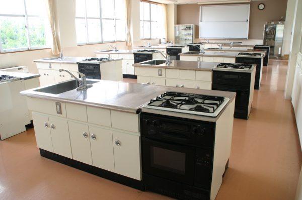 九里学園調理室