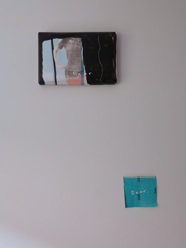 Installatie van Lee Kit in een particuliere woning. Er hoort een geluidfragment bij, dat te horen is via een casseterecorder