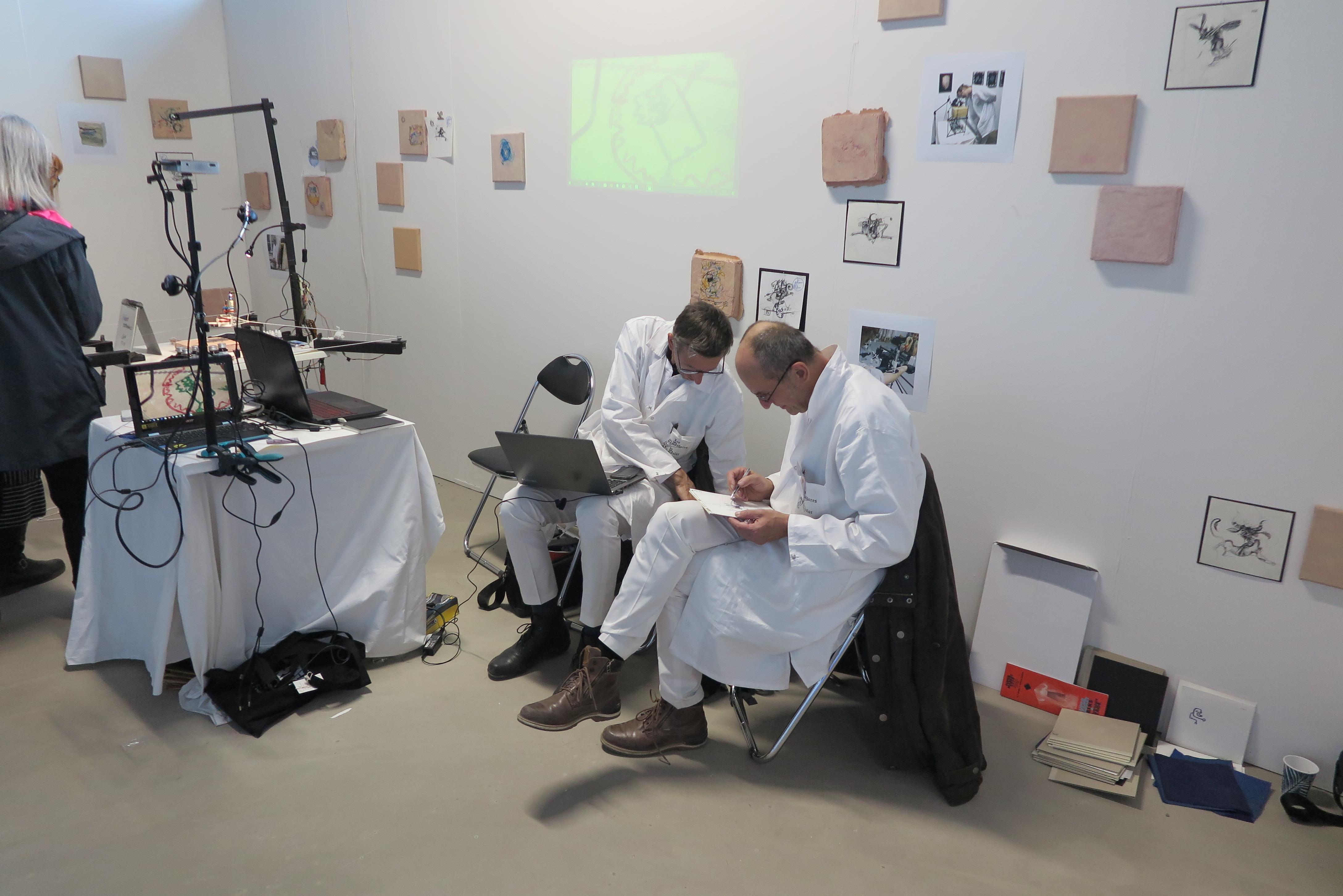 De mannen van Kunsthalle Graz