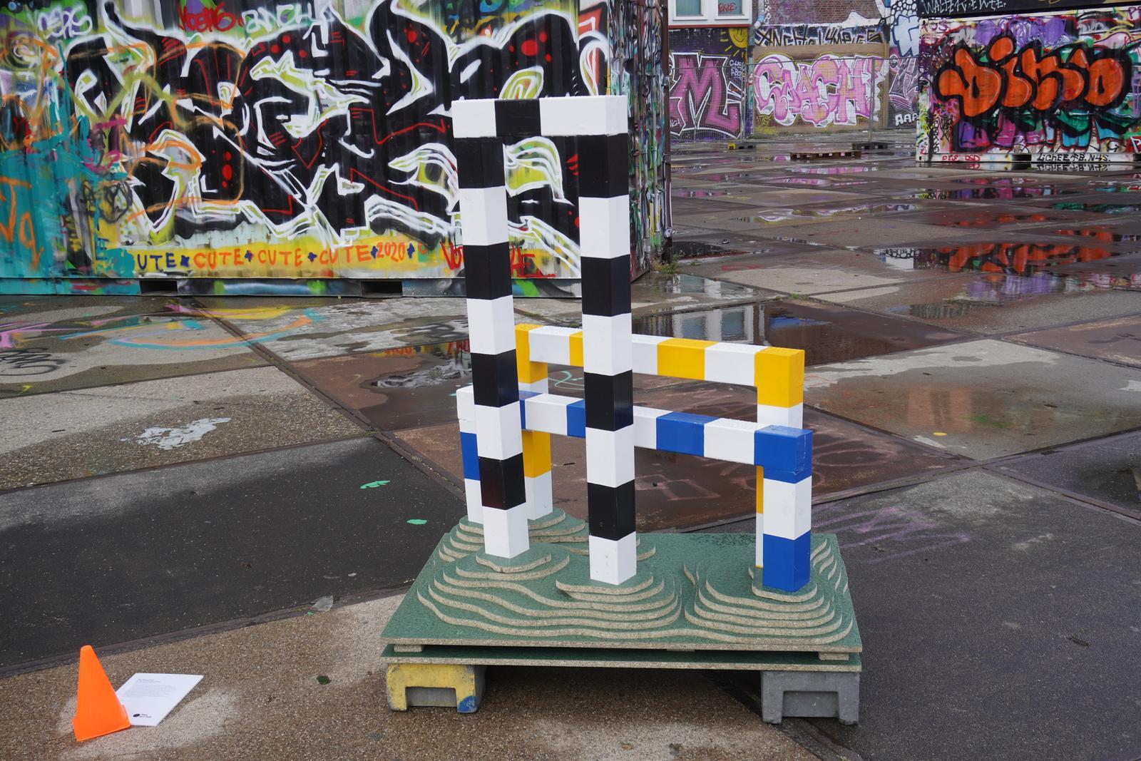 Pip Passchier - Hurdles in rest position (2020)