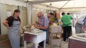2014-09-06 (14) WH Techniek, Stenen hakken, Kunst In De Polder, Lisserbroek
