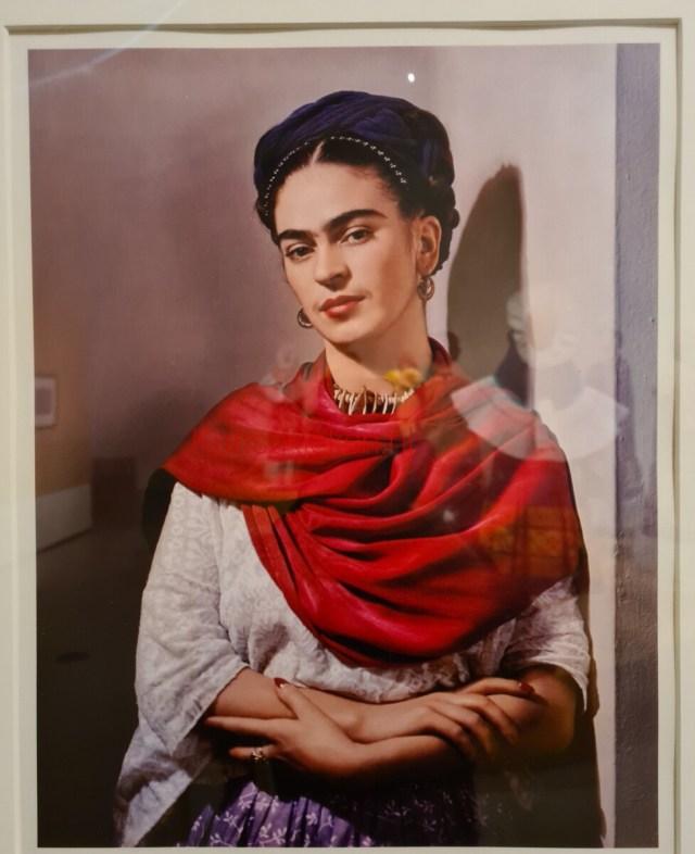 Frida met rode rebozo - 1939 -Nickolas Muray