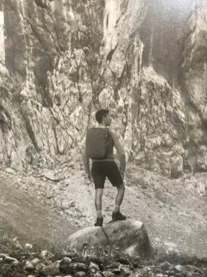 Erwin Olaf, detail Vor der Felswand, Kevin
