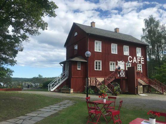 Café Dalslands konstmuseum met prachtig uitzicht en lekkere taartjes.