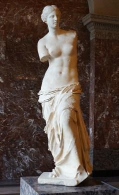 The_legendary_Venus_de_Milo_in_the_Louvre,_9_February_2014_cropped