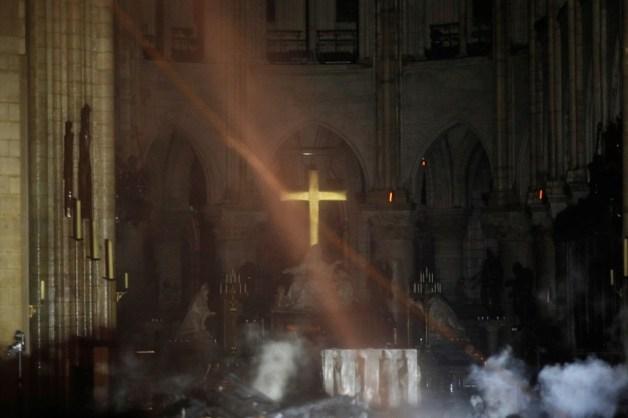 Interieur Notre Dame - Bron: AFP