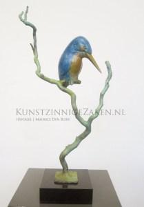 beeldje ijsvogel in brons
