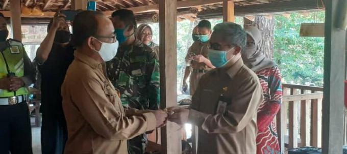 Pemerintah Kabupaten Gunungkidul mengembalikan Wisma Wanagama kepada pihak Universitas Gajah Mada (UGM)