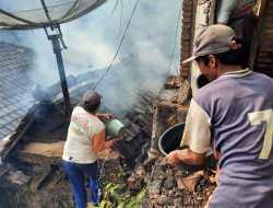 Diduga Konsleting Listrik Rumah Sarto Ludes Dilalap Api,  Kerugian Puluhan Juta