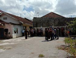 Eksekusi Pengosongan Rumah Disamping Kantor Dinas Koperasi Dan UKM,  Puluhan Aparat Diterjunkan