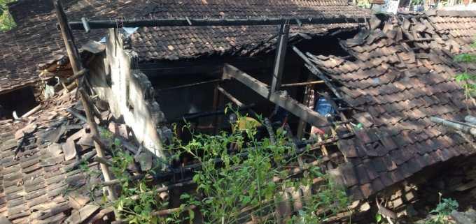 Kondisi rumah pasca kebakaran