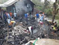 Anak Lagi Tidur, Istri Pergi Ke Pasar, Rumah Sunaryo Ludes Dilalap Api