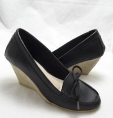 (AM-12) Sepatu Wedges Ekslusif Kulit Asli