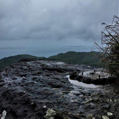 石垣島の屋良部岳に残る「機関銃の台座跡」