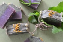 端午の節句アロマよもぎと紫根の石鹸