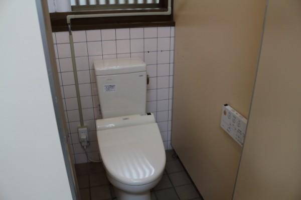 塔のへつり入り口公衆トイレ