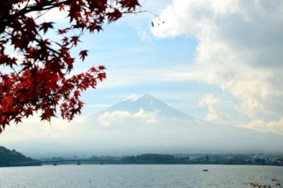 河口湖畔の富士山