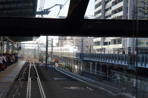 武蔵小杉駅215系からの車窓