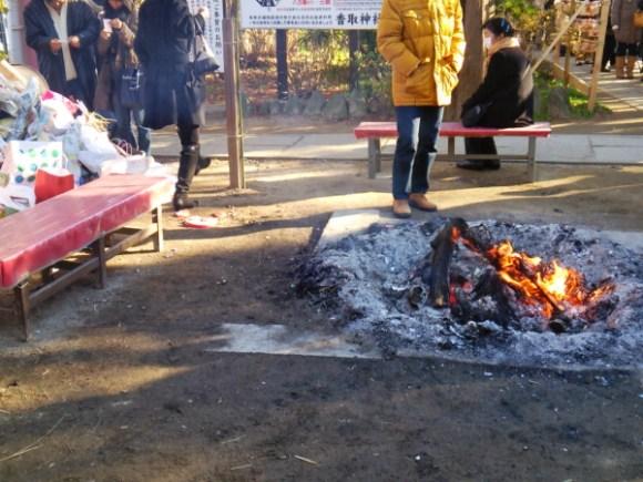 越谷香取神社焚き火