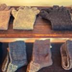 靴下のプラスチック製とめ具を簡単に外す方法